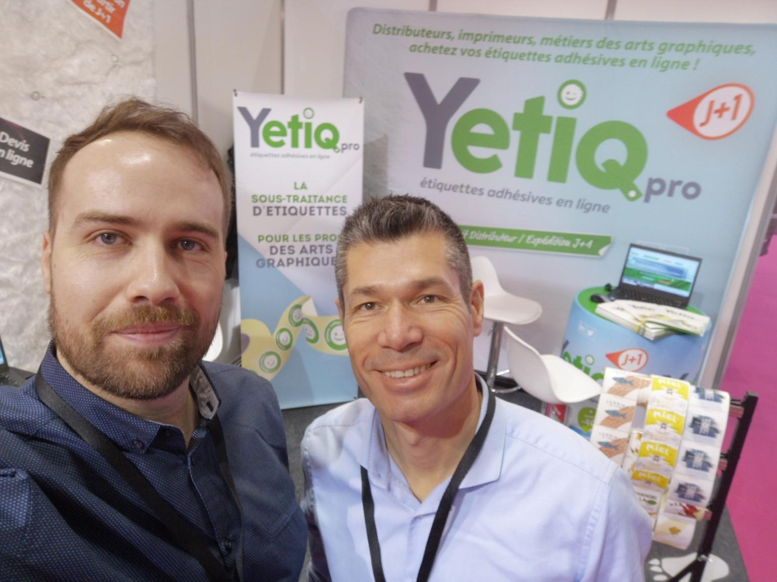 Arnaud et Cédric au C!Print 2020 pour présenter Yetiq.pro, solution d'impression d'étiquettes adhésives en rouleaux pour les professionnels des arts graphiques